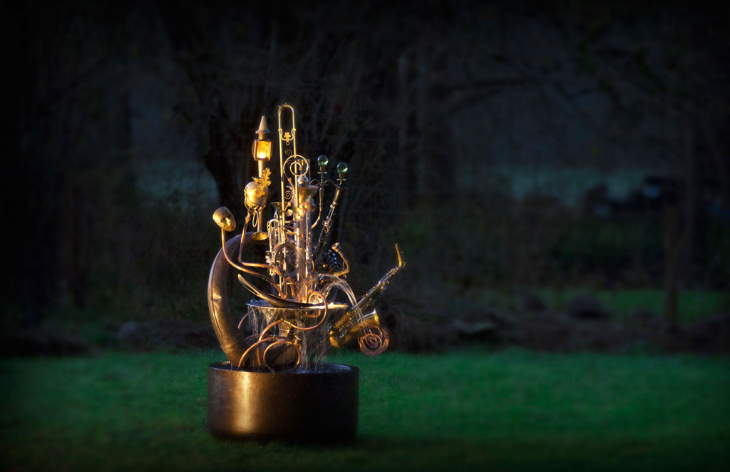 musical instrument sculpture h4